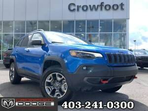 2019 Jeep Cherokee TRAILHAWK V6 WITH LEATHER 4X4 - ONLY 5,500 KM