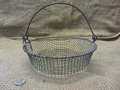 Vintage Metal Wire Basket w Handle > Antique Old Garden Kitchen Boxes 9604