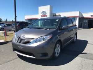 2017 Toyota Sienna LE 8 PASSAGERS V6 SIEGES CHAUFFANTS CAMERA RE