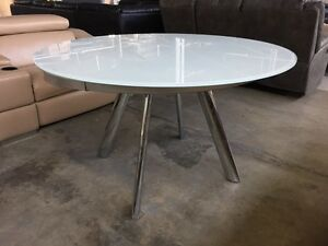 freedom extendable table Dining Tables