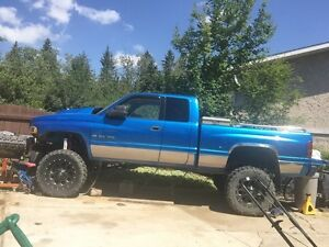 94-02 lift Cummins duramax rims and tires