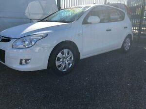 2010 Hyundai i30 FD SX Hatchback 5dr Man 5sp 2.0i White Manual Hatchback Taree Greater Taree Area Preview