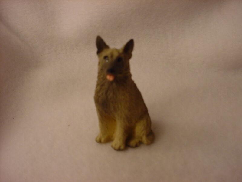 NORWEGIAN ELKHOUND dog FIGURINE resin HAND PAINTED MINIATURE Small Mini NEW
