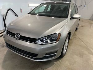 2015 Volkswagen Golf Comfortline Sunroof - Mags - Leather