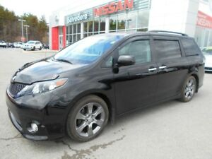2014 Toyota Sienna SE  TOIT OUVRANT 8 PASSAGERS