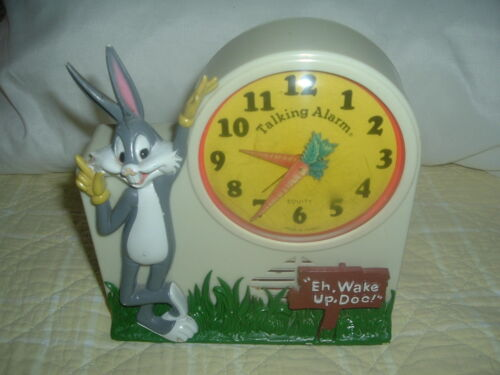 Collectible 1970's Bugs Bunny Janex wind-up Talking Alarm Clock,tics & talks.