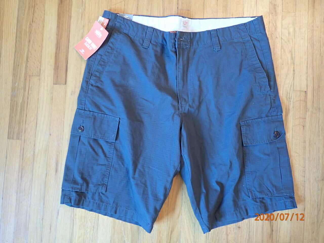 """Dockers Mens 38"""" W Classic Fit Cargo Shorts Pacific Collecti"""