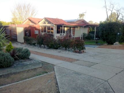 Lovely 4 bedroom family home (Higgins) Higgins Belconnen Area Preview