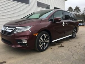 2018 Honda ODYSSEY TOURING Touring Home of the Royal Treatment!