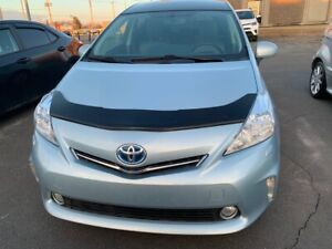 2014 Toyota Prius v Technologie ac vitres cuir  mags navigation