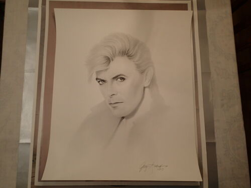 """DAVID BOWIE CHARCOAL DRAWING PRINT-Gary Saderup-24""""h x 20""""w-Excellent Condition"""