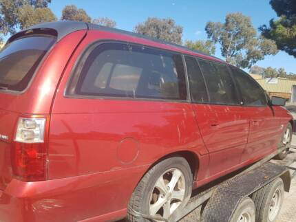 COMMODORE  VZ WAGON 2004 wrecking for Parts (V34)