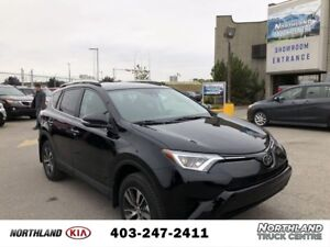 2018 Toyota RAV4 LE AWD/Heated Seats/Adaptive Cruise/Lane Dep...