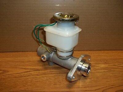 New Nissan Tcm Toyota Forklift Master Cylinder 46010-04h0046010-11h01