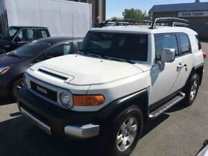 2010 Toyota FJ Cruiser 4X4 AC VITRES MAGS HORS-ROUTE