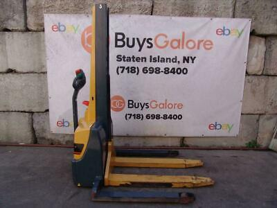Cat Electric Pallet Stacker Fork Lift 2200 Lbs 24 Volts Multiton Jungheinrich