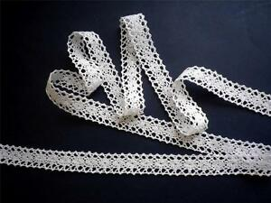 Beautiful-white-crocheted-cotton-lace-trim-2-5cm-wide-trimmings-Free-UK-P-P
