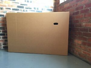 samsung LCD TV flat screen large box transport or storage 1470mm x 220mm x 980mm