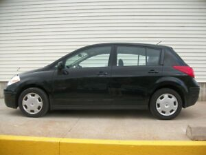 2009 Nissan Versa AUTO HATCH WITH ONLY 135K