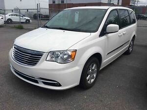 2011 Chrysler Town & Country TOURING | DVD | CAMERA | GPS | PORT