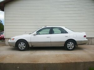 1997 Toyota Camry LE WITH LEATHER AND SUNROOF