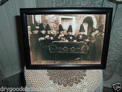COVEN OF WITCHES AT TEA 5X7 FRAMED PICTURE HALLOWEEN SHELF SITTER GATHERING](Halloween Witches Coven)