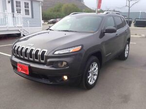 2014 Jeep Cherokee NORTH..$199 B/W..4X4..V6...HEATED SEATS..B/U