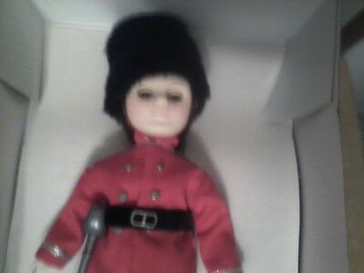 Effanbee dolls  Countries - 1135 ENGLAND  COLDSTREAM GUARD - new BEAUTIFUL