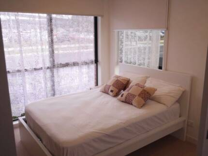 Private room fully furnish very close to train station