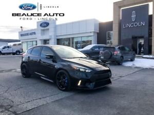 2017 Ford Focus RS / AWD / 350 HP / TOIT / GPS