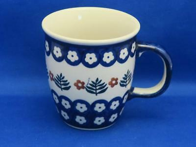 Manufaktura Polish Pottery Hand Painted DAISY Flower Mug Leaves Blue White Brown