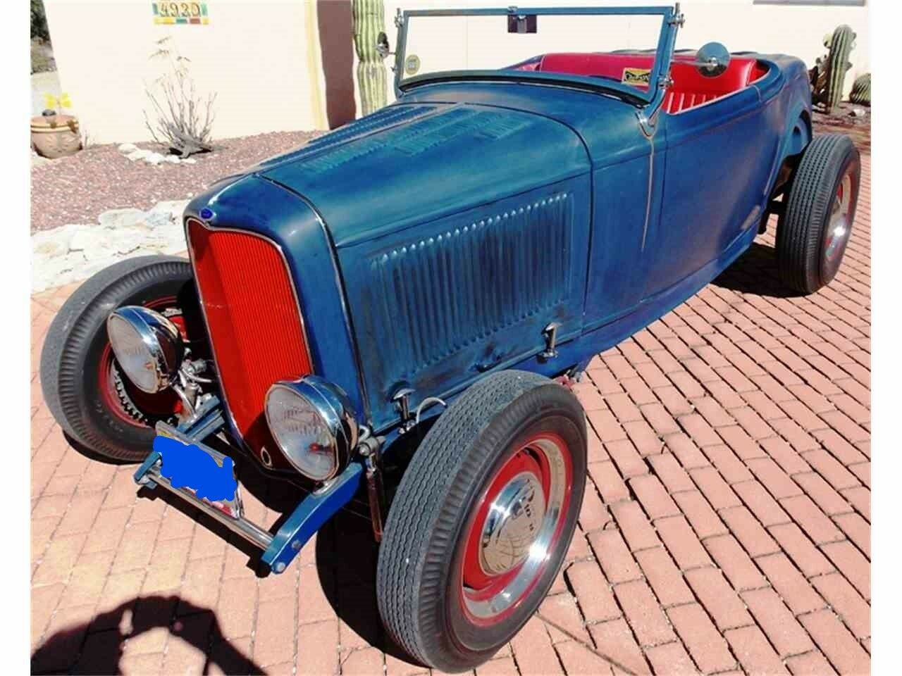1932 Ford Roadster Model 18 1932 FORD ROADSTER SIMULATED BARN FIND