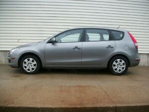 2011 Hyundai Elantra AUTOMATIC HATCHBACK GREAT CAR!