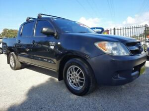 2005 TOYOTA HILUX 2.7 DUEL CAB WORKMATE UTE, MANUAL, LOW KMS, REGO, WARRANTY, JUST SERVICED!!