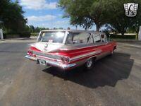 Miniature 8 Voiture American classic Chevrolet Nomad 1960