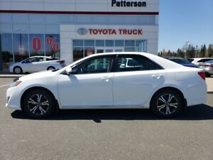 2013 Toyota Camry LE A bright white beauty