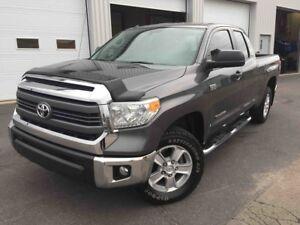 2014 Toyota Tundra SR 5 4X4 5.7 LITRES CAMERA DE RECUL