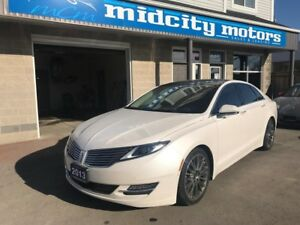 2013 Lincoln MKZ AWD 3.7L 6CYL. Loaded, Nav, Pano roof