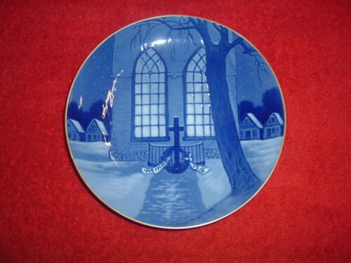 """ROSENTHAL  1916 Christmas Plate, 8"""", Mint, Original Issue with holes for hanging"""