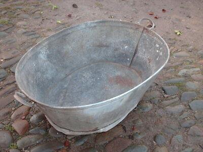 LARGE VINTAGE RUSTIC WASH TUB / GARDEN PLANTER