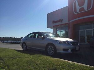 2013 Honda Accord LX LOW KMS , LOCAL TRADE !!!!!