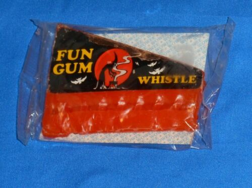 vintage Halloween WOWEE FUN GUM WHISTLE harmonica Glenn Confections witch sealed