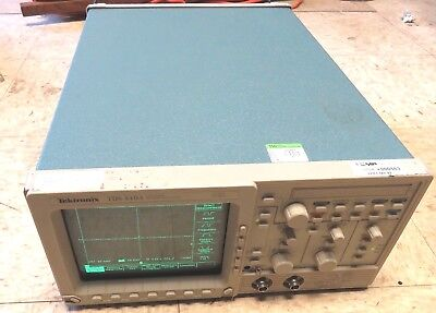 Tektronix Tds410a Portable 2-channel 200mhz 100mss Digitizing Oscilloscope