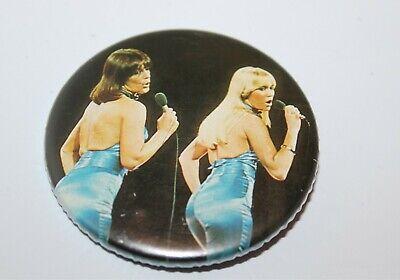 Abba Frida & Anna Badge Music Collectable (Lot 15)