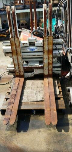 CASCADE R55E-FDS-B221 CLASS 3 MULTI PALLET HANDLER USED AND OPERATES