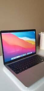 Macbook Pro 13-inch 2020 with laptop case/bag