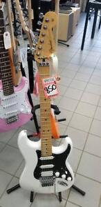 Player Stratocaster® with Floyd Rose®, Maple Fingerboard, Polar White 1149402515  MEGA VENTE DINVENTAIRE
