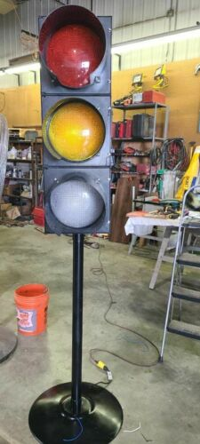 Traffic Signal on stand with sequencer
