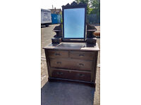 Vintage dressing table with mirror (delivery available)