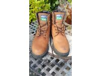Mens Northwind Hiking/Work Boots Size 9